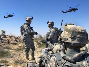 Breitbart_News_us_army_blackhawks