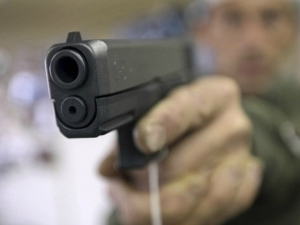 2014_handgun-reuters