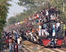 2014_Drudge_Immigrants_Train