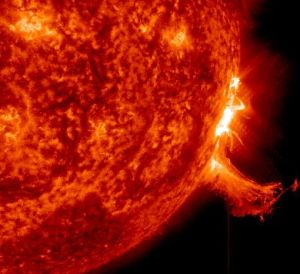 2013_Space_Weather_m7_strip