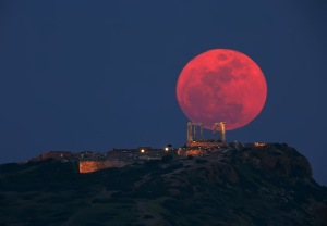 2013_Trunews_Red-Moon-05